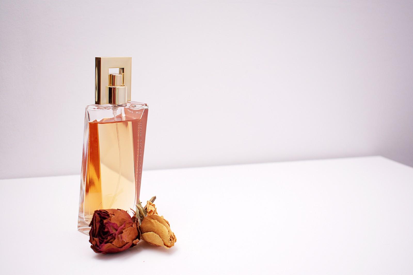 perfume misturado com aroma de vagina