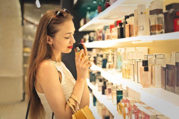 comprando-perfume-mais-barato